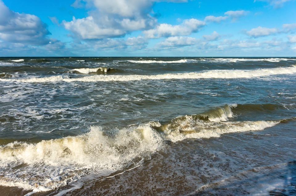 В Анапе снова запретили выходить в море на катамаранах