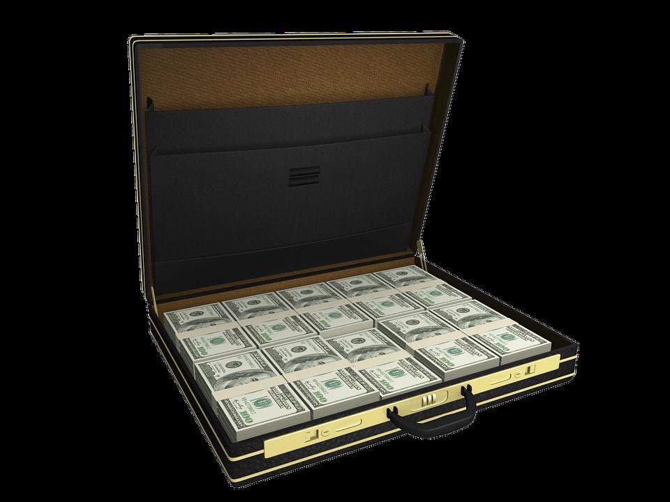 В Анапе житель Твери украл чемодан денег и потратил их на роскошную жизнь