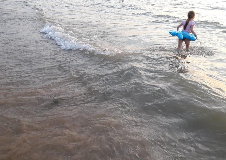 Зачем и кому выгодны слухи о ледяной воде в акватории Анапы