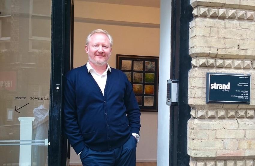 Художник из Анапы, чьи работы видел Билл Клинтон, открыл выставку в Новороссийске