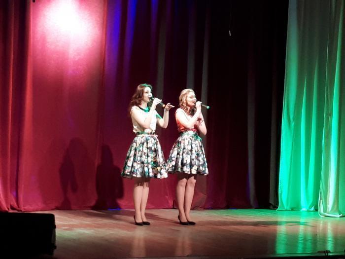 В посёлке под Анапой милым, нежным и любимым посвятили праздничный концерт