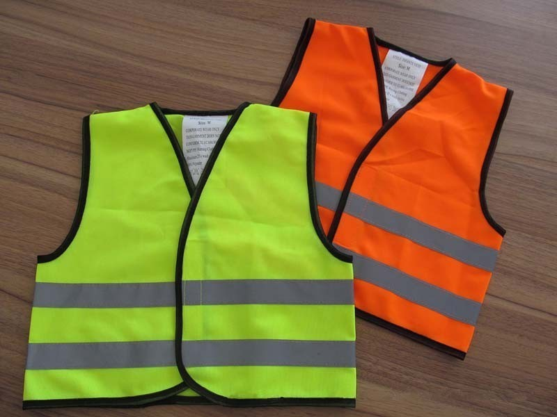 Где в Анапе можно купить светоотражающие жилеты?