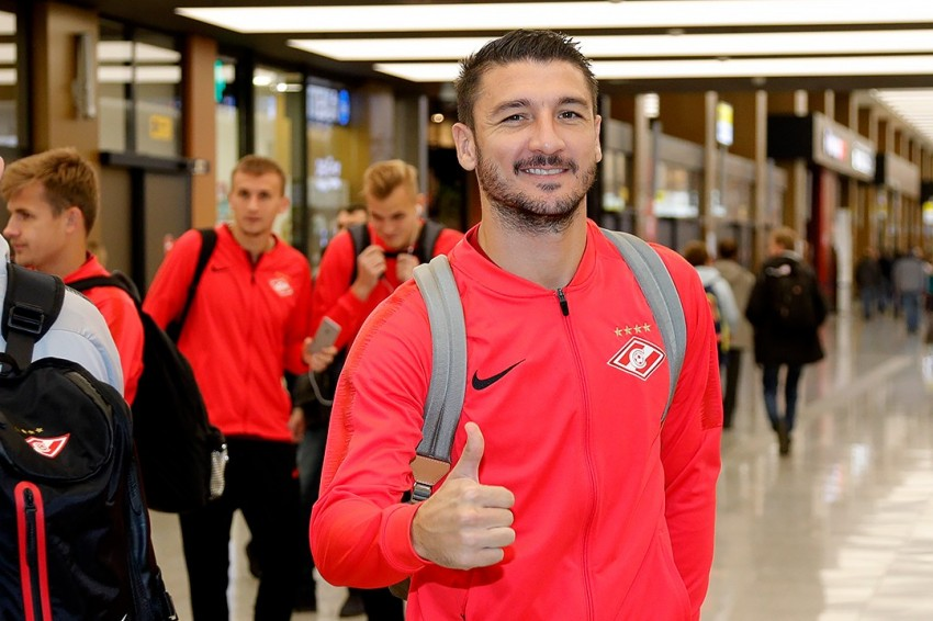 Самолет с футболистами «Спартака» приземлился в аэропорту Витязево в Анапе