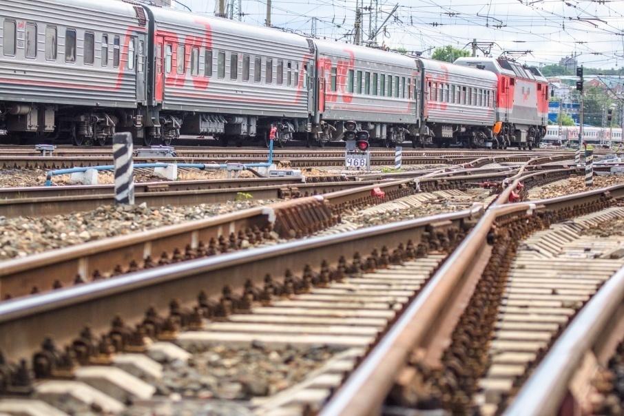 Женщина погибла под колёсами поезда Москва - Анапа на глазах у мужа и ребёнка