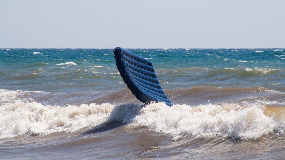 В Анапе запрещено купаться со спасательными кругами и надувными матрасами