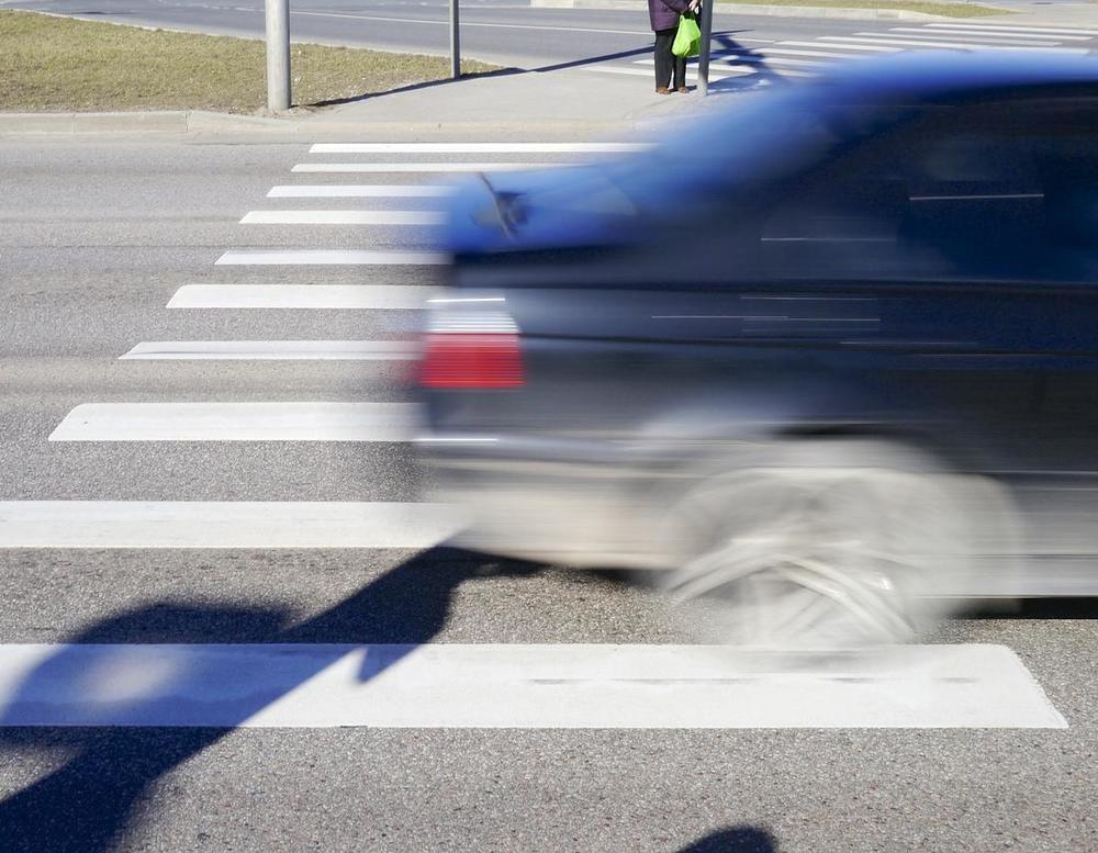 В Анапе на «зебре» неизвестный водитель сбил маленького школьника и скрылся с места ДТП