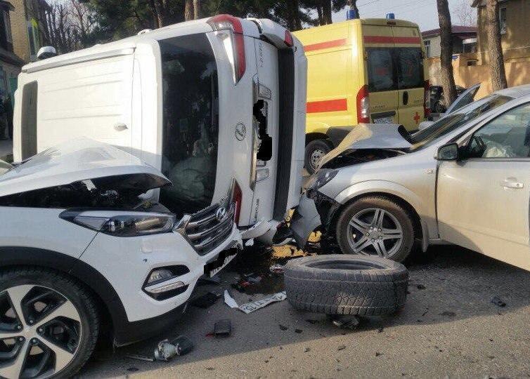 Групповое ДТП в Анапе: водитель «Лексуса» поплатился за хамство перевёрнутой машиной