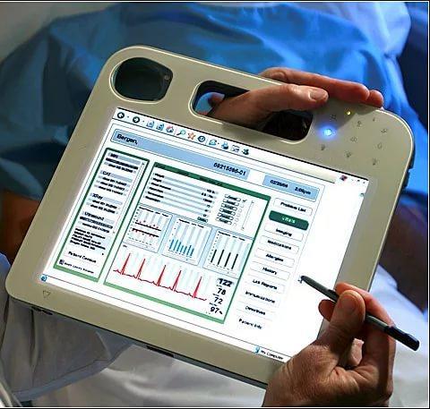 Скоро у анапчан появятся вечные электронные медкарты