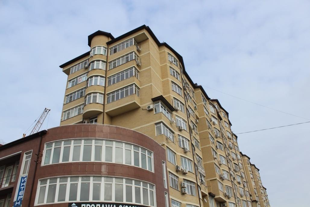 Продаётся огромная 2-комнатная квартира