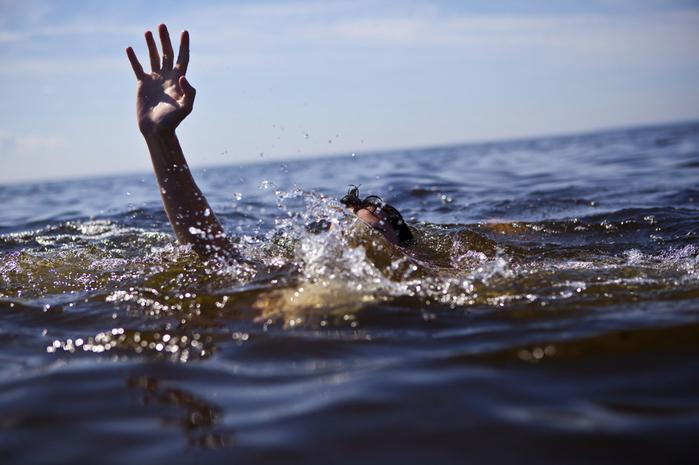 Знания, которые могут спасти жизнь в Анапе: как распознать тонущего человека?